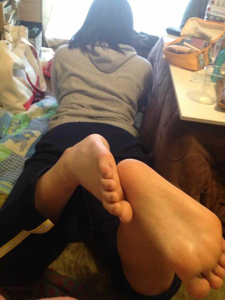 三次元美少女ちゃんの足の裏は好き?