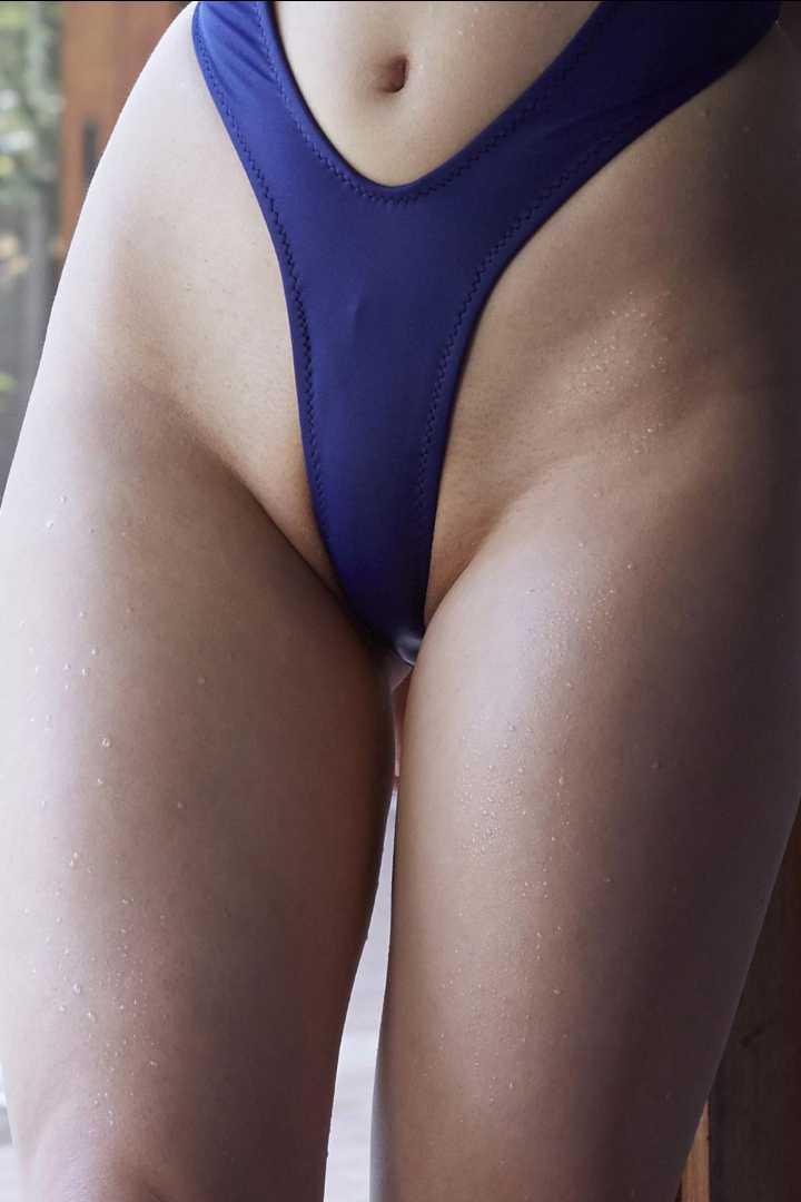 【画像】ハイレグ水着というギリギリおまんまん見えちゃわないエロエロ水着