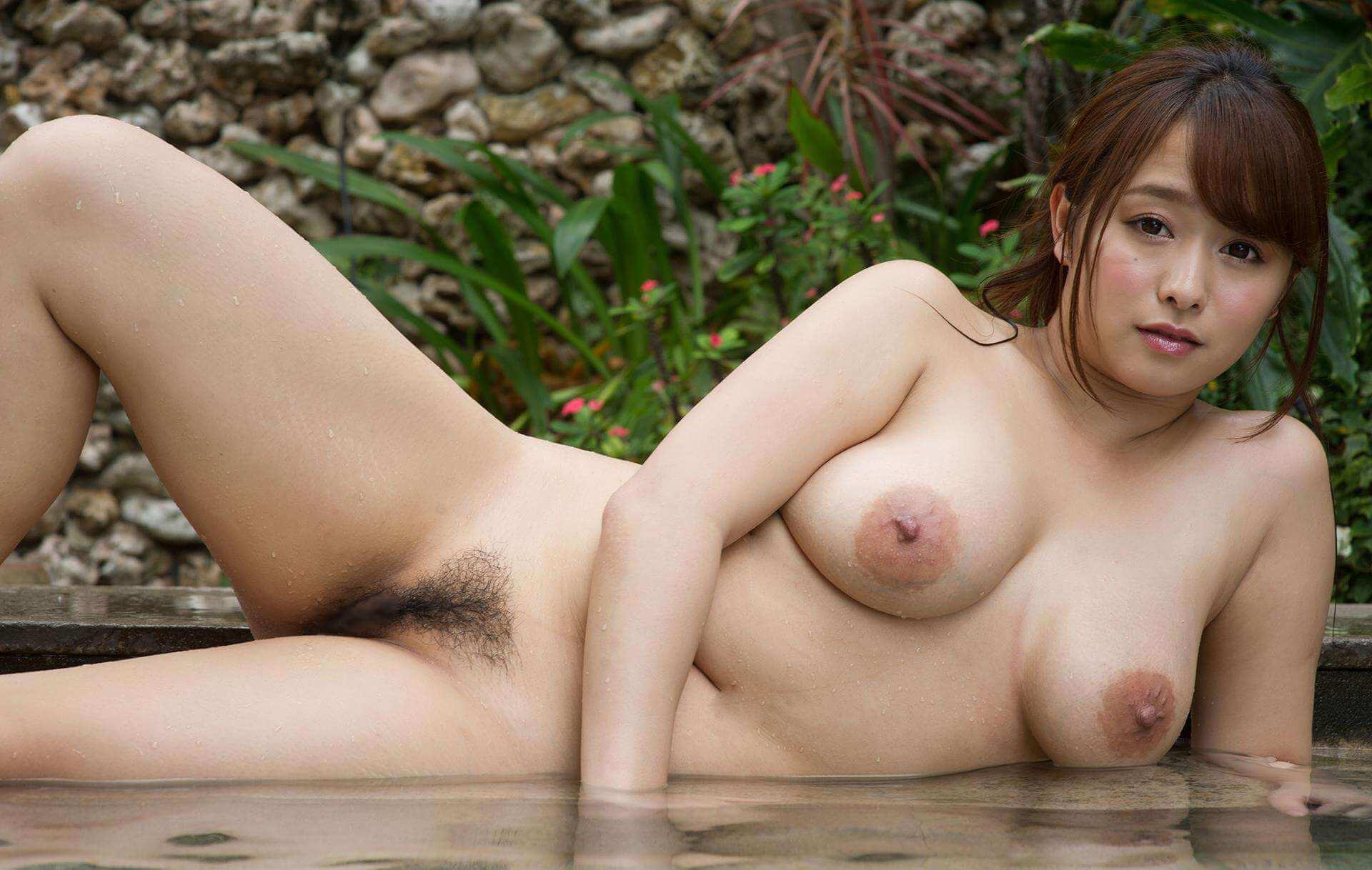 日本人のおっぱいや肉付きはちょっとだらしないくらいが丁度よい
